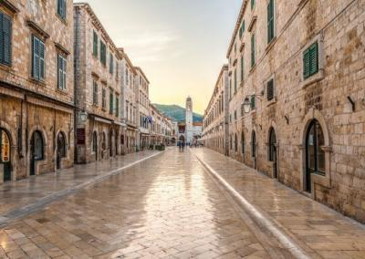 Walk and Panorama Tour with Dubrovnik Guide Avansa Travel